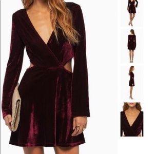 💜 Purple velvet cut-out skater dress from Tobi 🔮